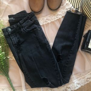 Old Navy Distressed Mid-rise Stretch Jeans Sz 6